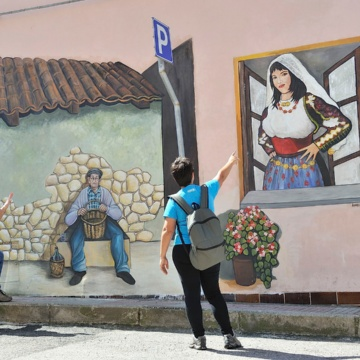 Romana, murals in the historic center (photo Ivo Piras)